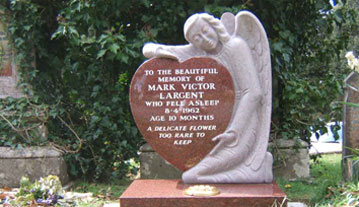 Red granite angel & heart